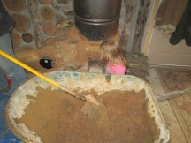 2013-12-28 : Our little cobbing girl, she loves to help